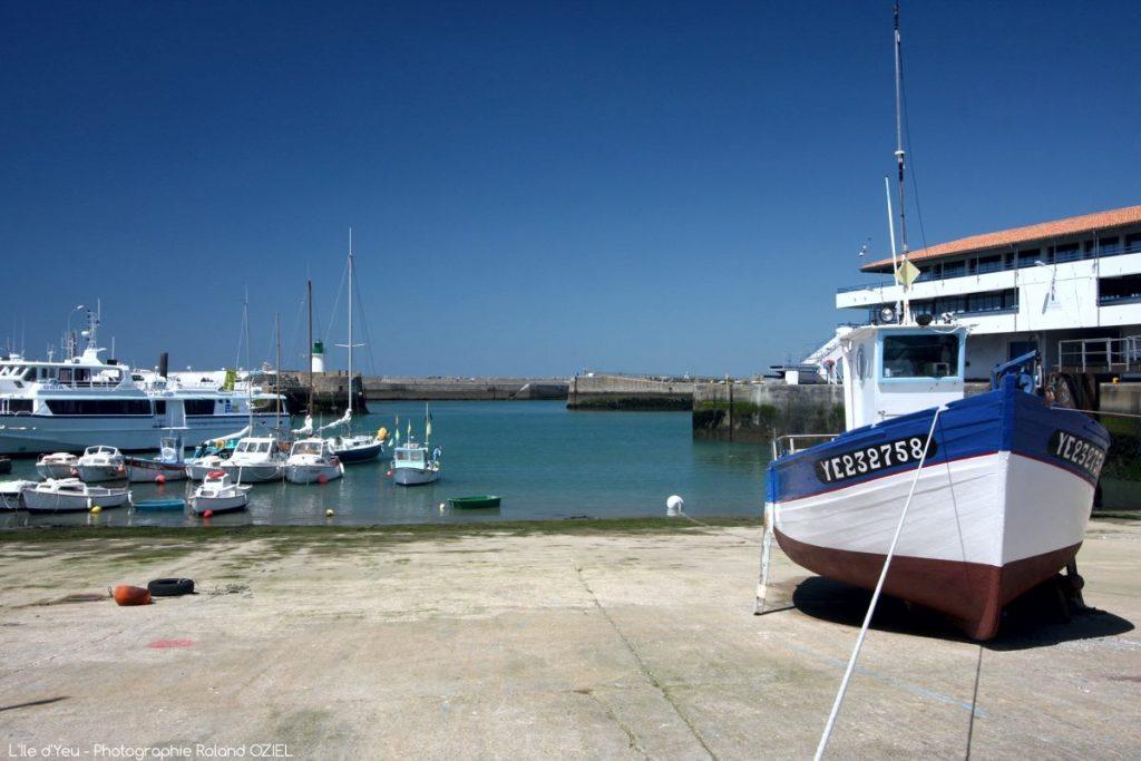 Photo Port Joinville à l'île d'Yeu camping Côté plage en Vendée
