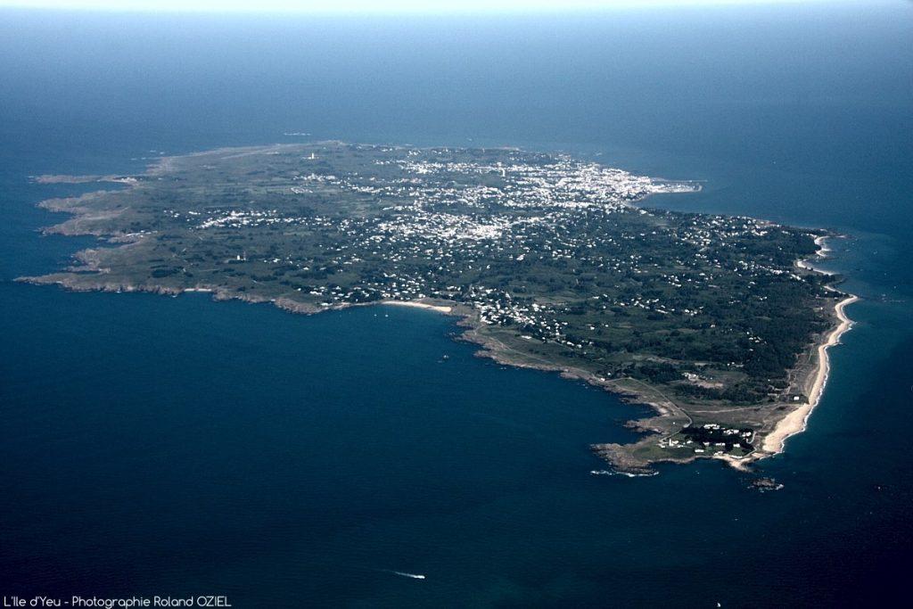 Photo aérienne de l'île d'Yeu en Vendée