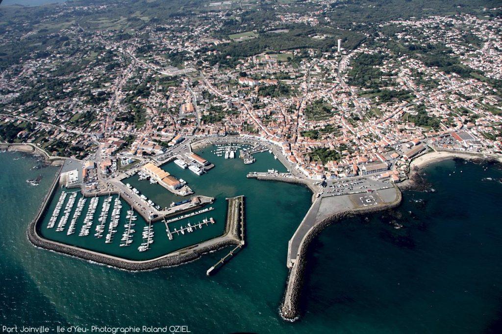 Photo aérienne Port Joinville Ile d'Yeu vacances en Vendée