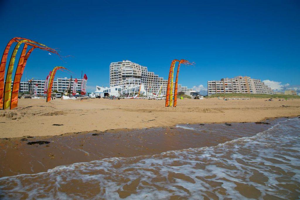 photo camping cote plage saint jean de monts vendee sports de plage