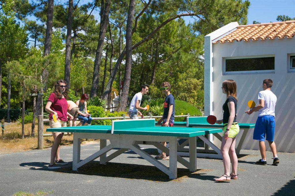 photo camping cote plage saint jean de monts vendee aire de ping pong