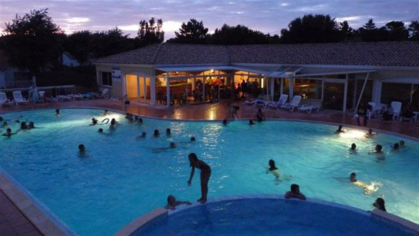 Camping 3 c t plage st jean de monts espace for Camping cote belge avec piscine