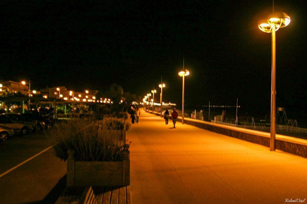 les rues de st jean de monts la nuit