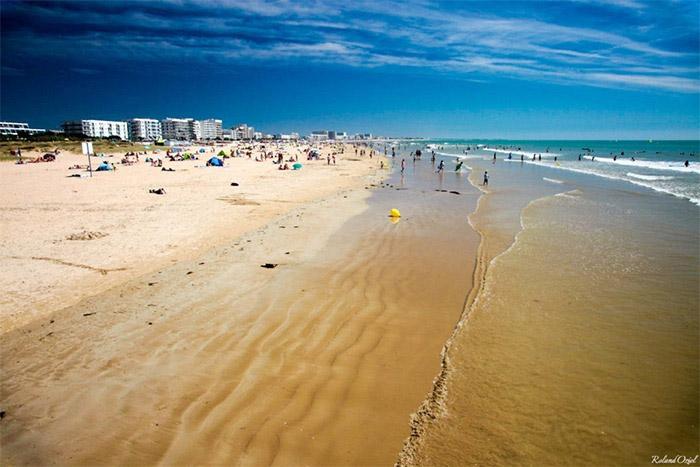 Hébergements haut de gamme accès direct plage